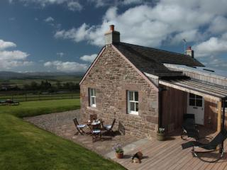 The Retreat, 5 Star Luxury, Tennis Court, Fishing - Crieff vacation rentals