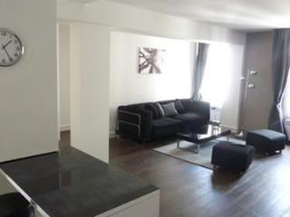 Nice Condo with 2 Bedroom-1 Bathroom in Popincourt - Paris vacation rentals