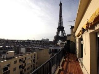 Eiffel Tower View 2 Bedroom & 1 BA Condo (Rue de l - Paris vacation rentals