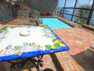 CASA MARE - Furore vacation rentals