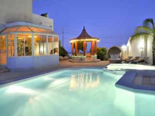 Five star private holiday villa in sunny Malta - Swieqi vacation rentals