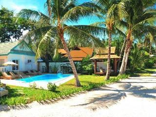 Baan Rim Haad 3 BR Luxury Beachfront Villa - Lamai Beach vacation rentals