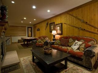 Views!!  Luxury 3BD-3BA W/ Hot Tub and Pool Table! - Park City vacation rentals