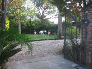 Domus Rosarum Arquà Petrarca -Veneto-Italy - Sant'Elena vacation rentals