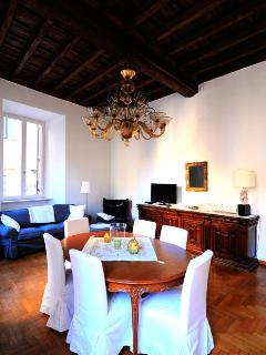 Pantheon house apartment - Rome vacation rentals