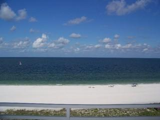 Available Weekly Remodeled 2 Bedroom Unit Direct Beachfront - Image 1 - Marco Island - rentals