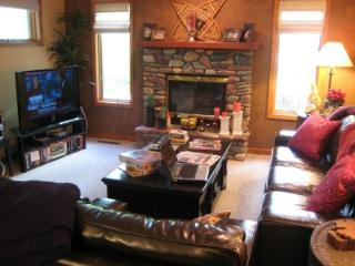 3 Bedroom 2 1/2 bath Mtn Harbor condo - Whitefish vacation rentals