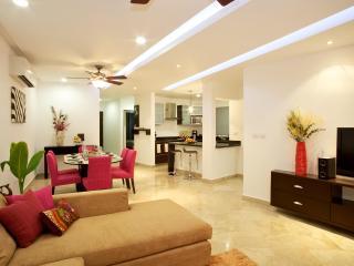 Oct-Dec Sale - 10%off + On Lux 2B/2B Condo, Steps - Playa del Carmen vacation rentals