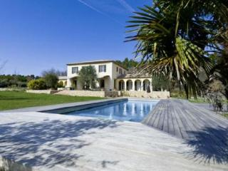 Lovely Villa with a Pool, in Le Puy Sainte Reparade - La Gouesniere vacation rentals