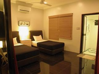 Nice Chalet with Internet Access and A/C - Kuala Terengganu vacation rentals