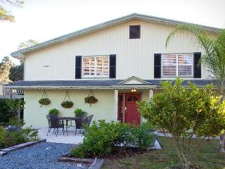 Lakefront Vacation Home Rental - DeLand, Florida - DeLand vacation rentals