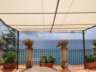 Amalfi Coast - Romantic cottage on the sea - Ravello vacation rentals
