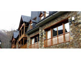 Montarto | Spacious, family-friendly, near Salardú - Bagergue vacation rentals