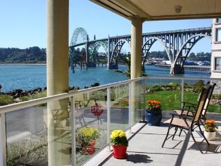 Happy Clam  Best Rental  in Newport w/ Great Views - Newport vacation rentals