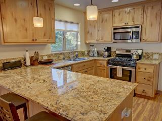 Alpine Escape Yosemite Rental, Inside Park Gates - Yosemite National Park vacation rentals