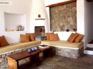 Villa Danai-Peaceful traditional house,Naoussa - Naoussa vacation rentals