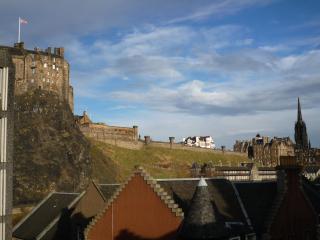23 Cordinersland,close to vibrant Grassmarket - Edinburgh vacation rentals
