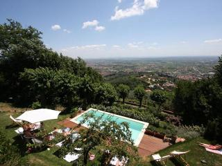 Luxury villa, panoramic Pool, A/C, walking village - Montecatini Terme vacation rentals