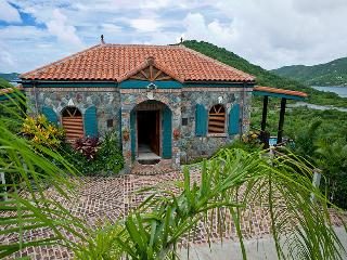 2 bedroom House with Internet Access in Coral Bay - Coral Bay vacation rentals