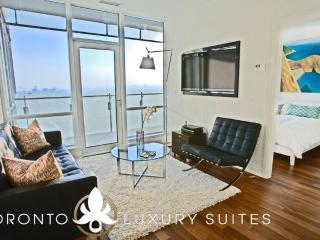Smooth - Luxury Exec Condo All In Financial Dist - Toronto vacation rentals