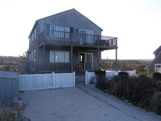 Beautiful 2 bedroom East Sandwich House with Deck - East Sandwich vacation rentals