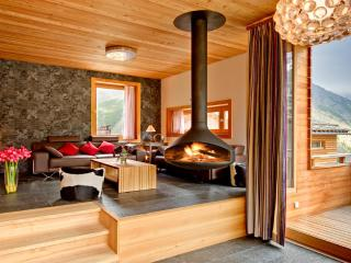 Chalet Chloe - independent freestanding chalet - Saas-Fee vacation rentals