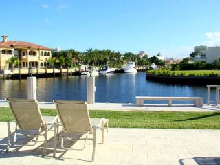 4 Beds 3 baths Villa on Canal upscale community!M - Miami Beach vacation rentals