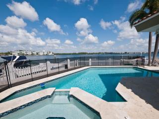 Miami Beach 5 bed 6 baths, heated pool, waterfront - Miami Beach vacation rentals
