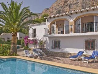 Villa Montgo Ermita Jávea, 5 bed, aircon, UK TV wi - Javea vacation rentals