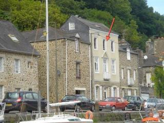 Charming 2 bedroom apartment in Dinan (B006) - Cancale vacation rentals