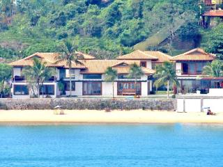 12,000 sq ft on beach house on Ferradura Beach - State of Rio de Janeiro vacation rentals