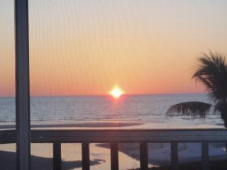Ft Myers Beach - Gulf Front 2BR Condo - Fort Myers Beach vacation rentals