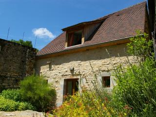 Quercy Stone Gite, Marcilhac-sur- Cele - Midi-Pyrenees vacation rentals