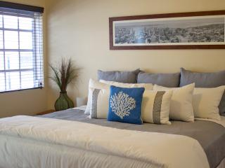 Daily housekeeping-One bedroom PARKING INCLUDED - Miami Beach vacation rentals