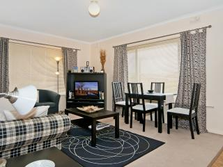 Adelaide Near Western Beaches - 2 Bed at Fulham - Adelaide vacation rentals