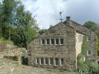 Tyas Cottage – 5 star, 4 poster, pet friendly in i - Huddersfield vacation rentals