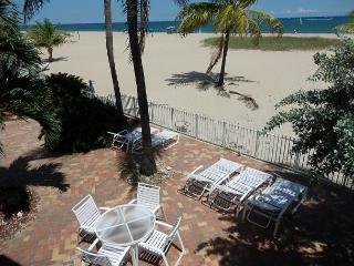 OceanFront Villa II Heated Pool 5/4 Sleeps 18 552- - Pompano Beach vacation rentals