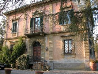 Bell'Estate Vacation Villa in Lucca with 5 Bedrooms - Lucca vacation rentals