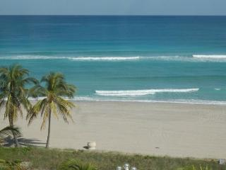 Walk to Beach/Boardwalk 1/1 Pool sleeps 5 (101) - Hollywood vacation rentals