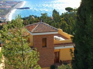 Fabulous holiday villa with amazing views - Salobrena vacation rentals