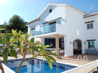 Luxury villa with heated pool, hot tub & sea views - Saleres vacation rentals