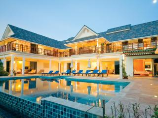 S.C Stunning Villa Thailand,sleeps up to 12 people - Hua Hin vacation rentals