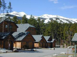 Recently renovated 3 bedroom/3 bathroom town home. - Breckenridge vacation rentals