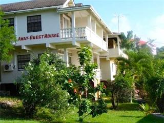 Perfect 5 bedroom Mayreau House with Shared Outdoor Pool - Mayreau vacation rentals