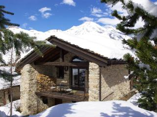 Val d'Isere Tignes charming Ski Chalet sleeps 14 - Rhone-Alpes vacation rentals