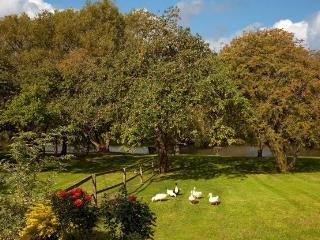 Cherbridge Cottages - Riverside lodge - Oxford vacation rentals