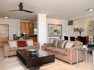 Perfect 2 bedroom Camps Bay Apartment with Dishwasher - Camps Bay vacation rentals