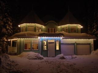 8 bedroom House with Deck in Silver Star Mountain - Silver Star Mountain vacation rentals