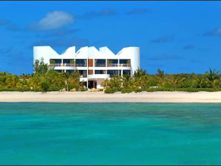 8 bedroom Villa with A/C in West End - West End vacation rentals