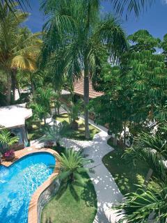 Sunny 2 bedroom North Side Villa with Internet Access - North Side vacation rentals
